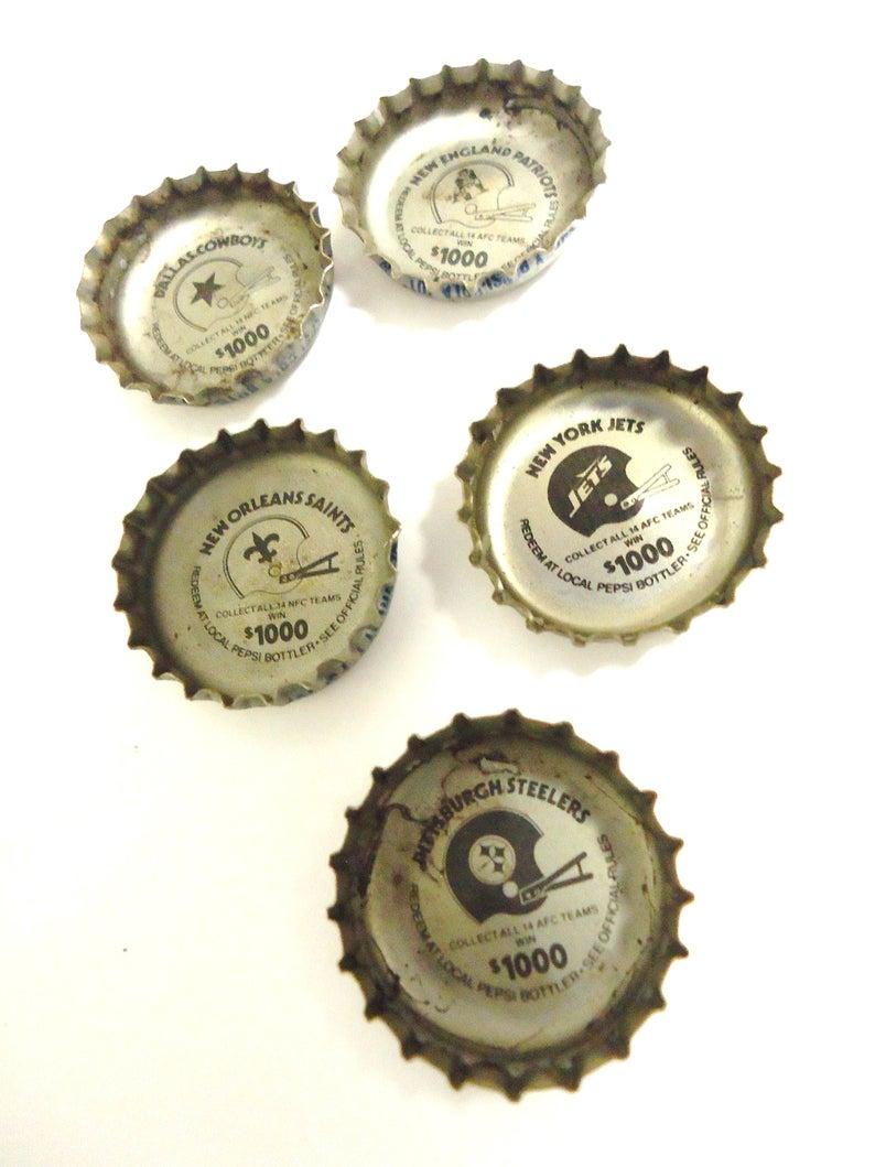 Nfl Vintage Logos Football Bottle Caps Pepsi Soda Bottle Caps Etsy Bottle Cap Vintage Logo Pepsi Bottle Cap