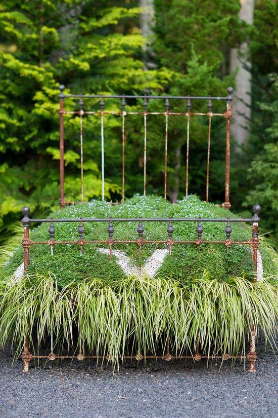 Bed garden, unusual container