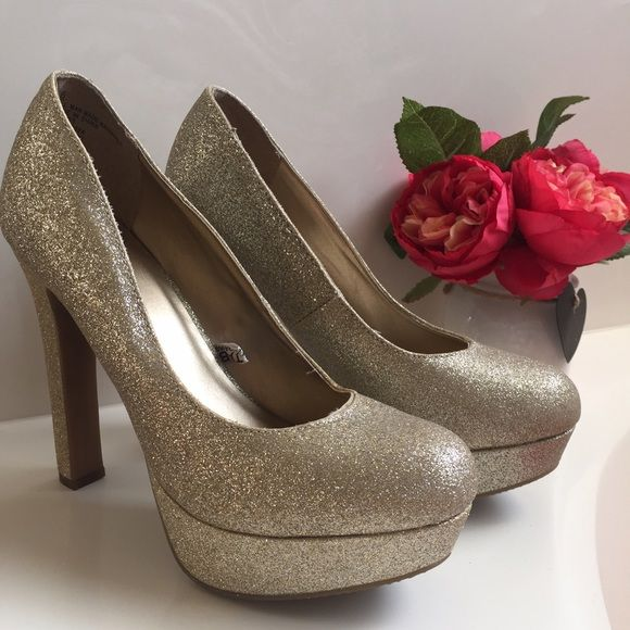 Gold Glitter Heels/Platform Brand new. No damages. Mossimo Supply Co Shoes Heels