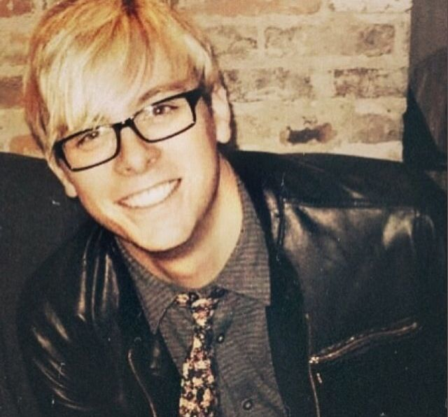 Day 6: This is one of my favorite pics of Riker. I love him in his geek glasses! <3