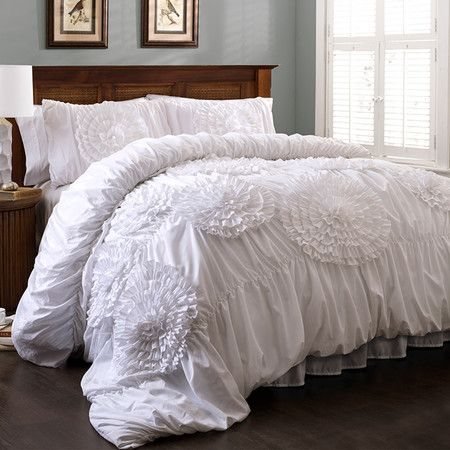 Ruched Comforter Set In White With Handmade Floral