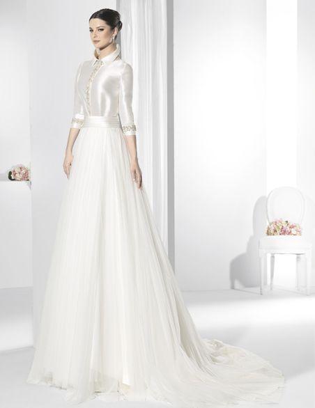 trajes de novia de dos piezas con falda de tul y blusa de raso