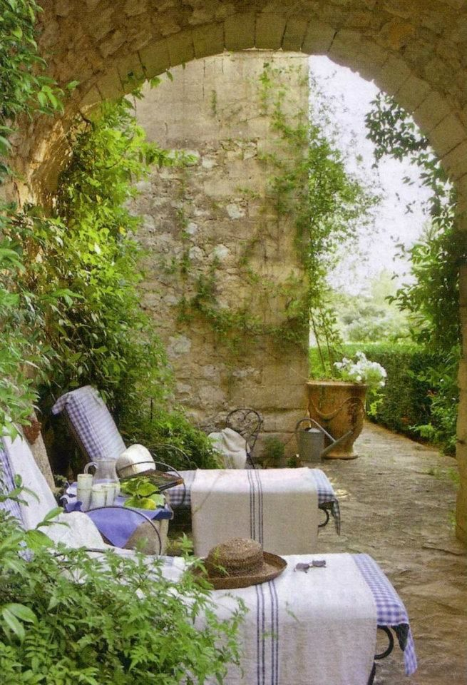 relaxing courtyard | Blue and White | Pinterest | Outdoor spaces ...