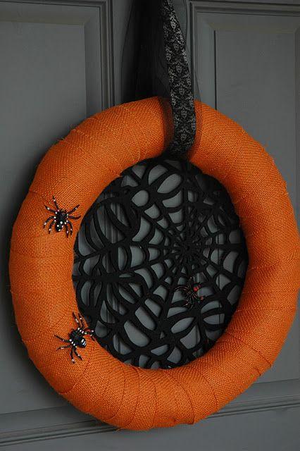 DIY Spider Web Wreath #DIY #Halloween #Decorations #Decorate #Decor #Spiders #SpiderWebs #Wreaths #HomeDecor