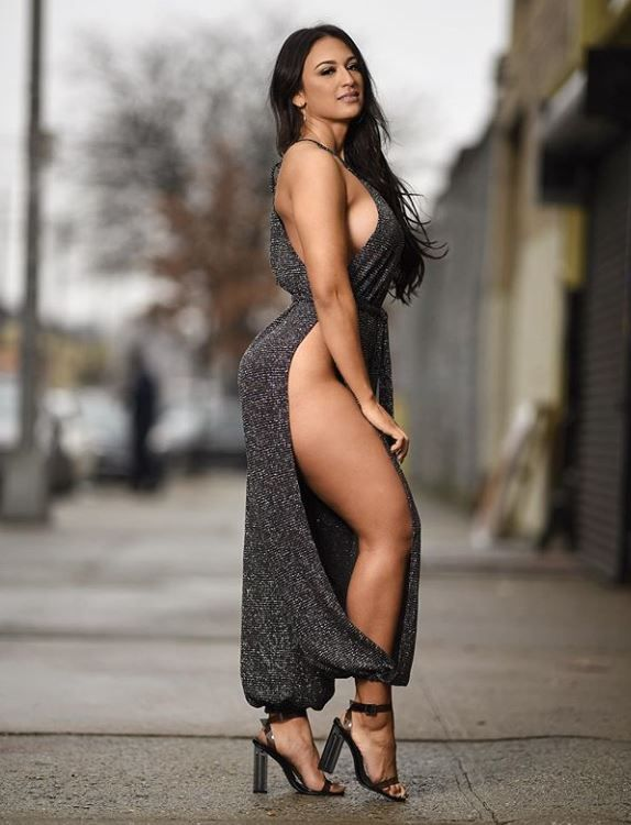 Latina Model Photos, Royalty