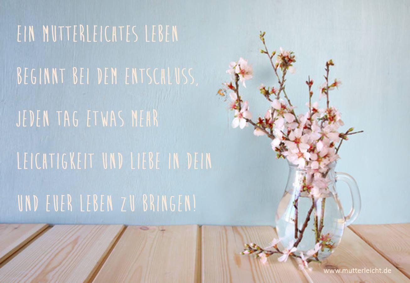 """""""Wie könntest Du jeden Tag ein wenig mehr Leichtigkeit in Deinen Alttag integrieren?""""  Ich hole die Leichtigkeit symbolisch zu uns nach Hause, indem ich immer für frische Blumen sorge. Ja, frische Blumen erinnern mich an die Leichtigkeit in mir und das Schöne im Leben. Ich liebe es, frische Blumen um mich zu haben. So inspirierend!  Was tust Du, um Dich leicht und wohl zu fühlen?  #mutterleicht #leichtigkeit"""