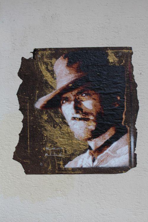 Stencil painting by Mat Elbé in Paris 13th district.   Pochoir de Mat Elbé dans le 13ème arrondissement de Paris.