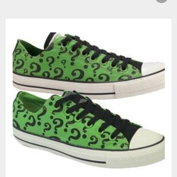 c05a5e5647a2 Riddler Converse Low Tops I would like to find these for my sister in