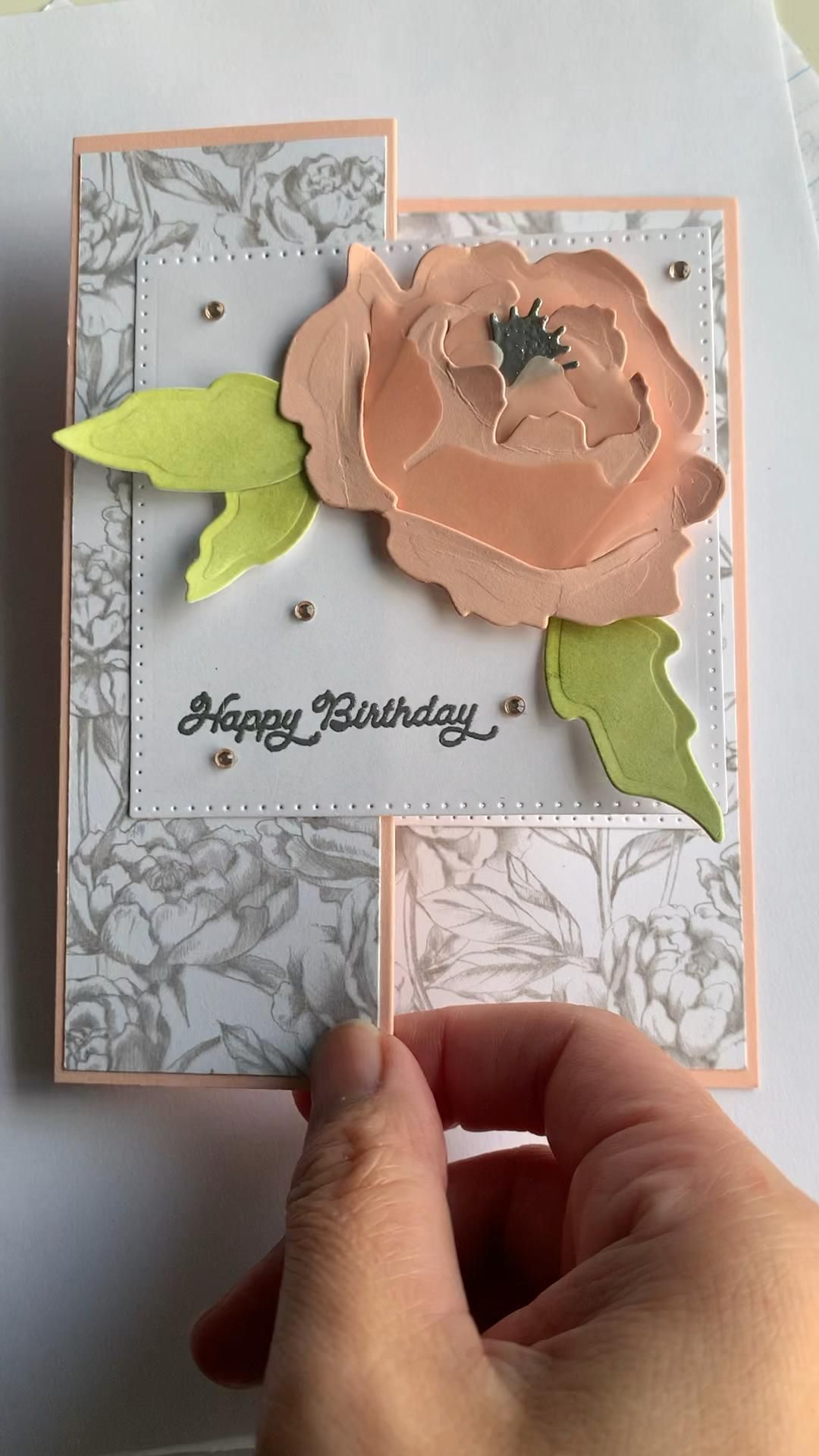 This prized peony card was so much fun to make. I actually sponged some vellum in blushing bride and used that for every second layer to give the peony a different look. And the DSP in the peony garden suite is just beautiful that it took me awhile before I actually chopped it up. But I loved how this card turned out #stampinupcards #stampinupdemonstrator #cardmaking #stamps #papercraft #handmadecards #cards #greetingcards #prizedpeony #diy #funfoldcards