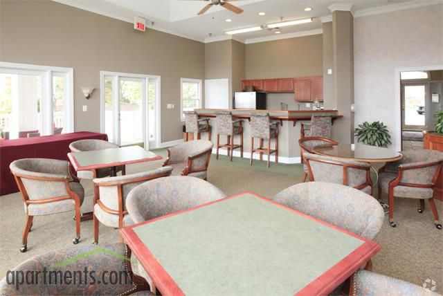 Carriage Hill Apartments Rentals Charlottesville Va Apartments Com Rental Apartments Apartment Great Rooms