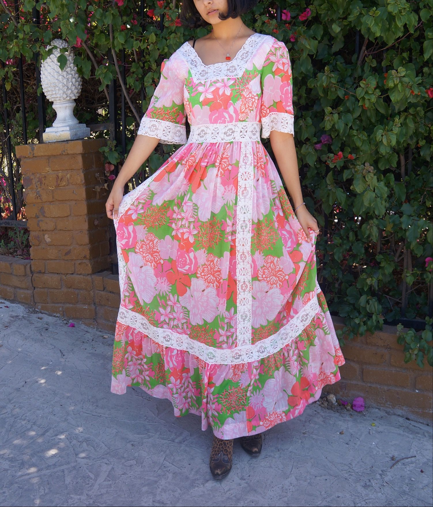e8fe93842d Hippie Outfits, Green Flowers, Flower Dresses, Robes, Cold Shoulder Dress,  Vintage