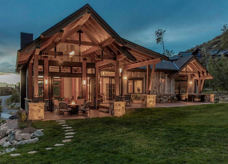 These Rustic Luxury Houses Are Stone And Wood Perfection 30 Photos Suburban Men Rustic House Luxury Homes Timber Frame Homes