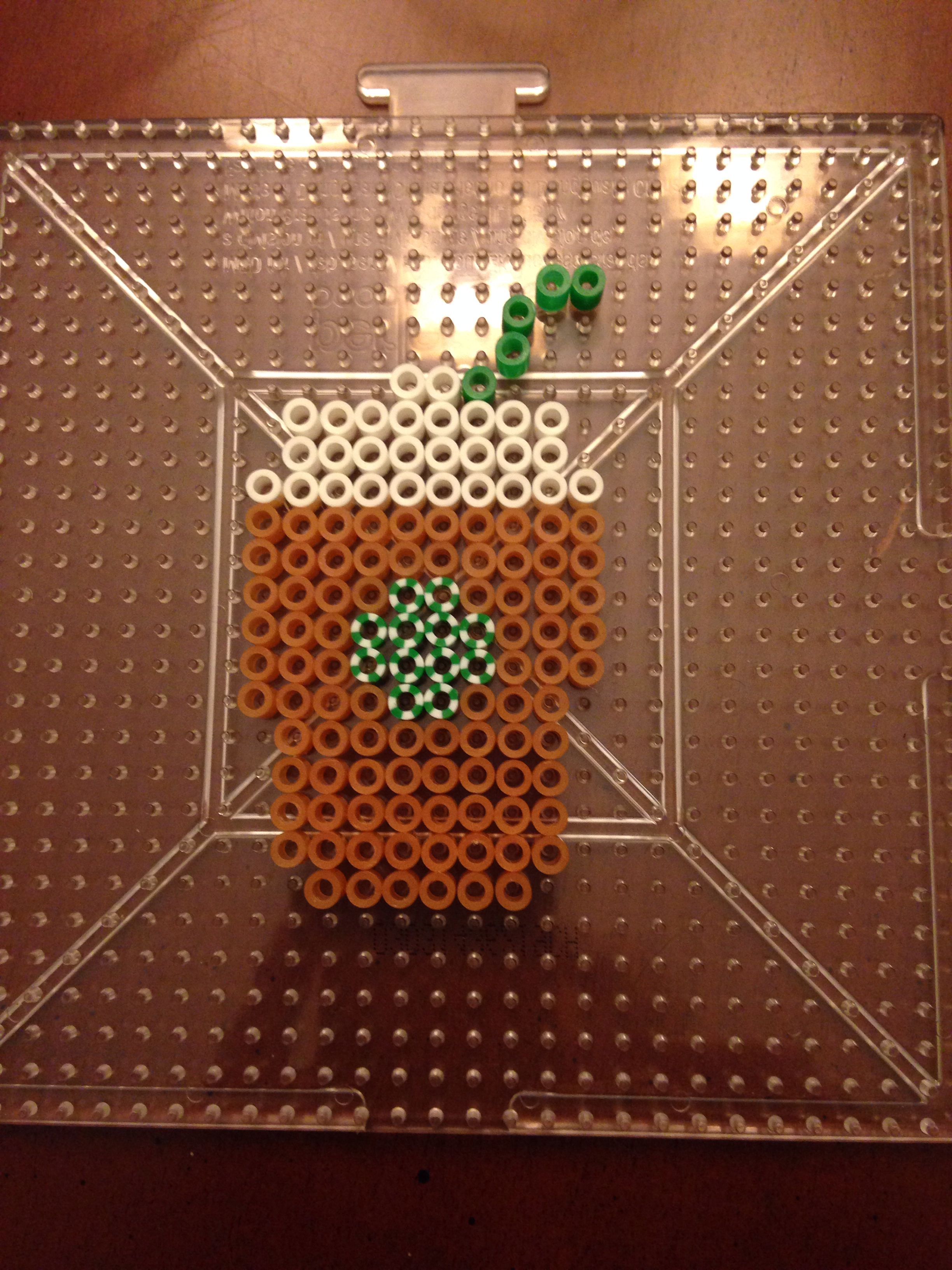 Awesome Starbucks perler idea! Too cute for a magnet for coworkers or just for me, the Starbucks fan!