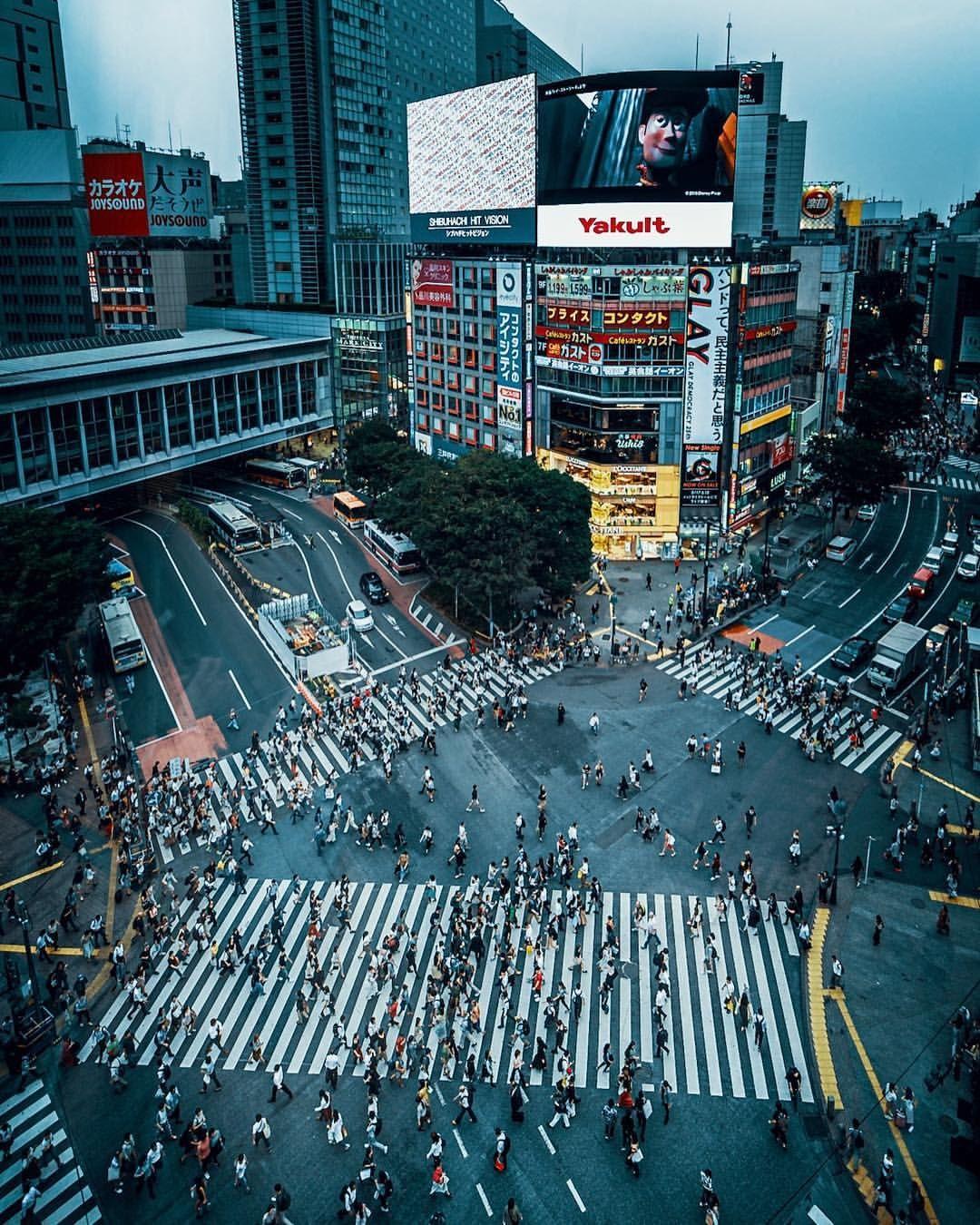 Day 12. 渋谷スクランブル交差点 | 渋谷ヒカリエ #fujifilm_xseries ...