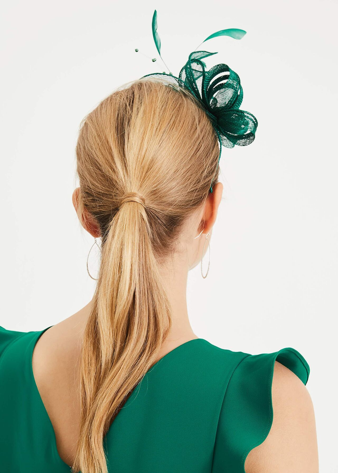 Payton Bow And Feather Fascinator #fascinatorstyles