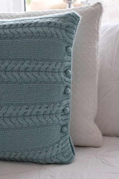 kissen im modernen zopfmuster padjad pillows pinterest stricken h keln und kissen stricken. Black Bedroom Furniture Sets. Home Design Ideas