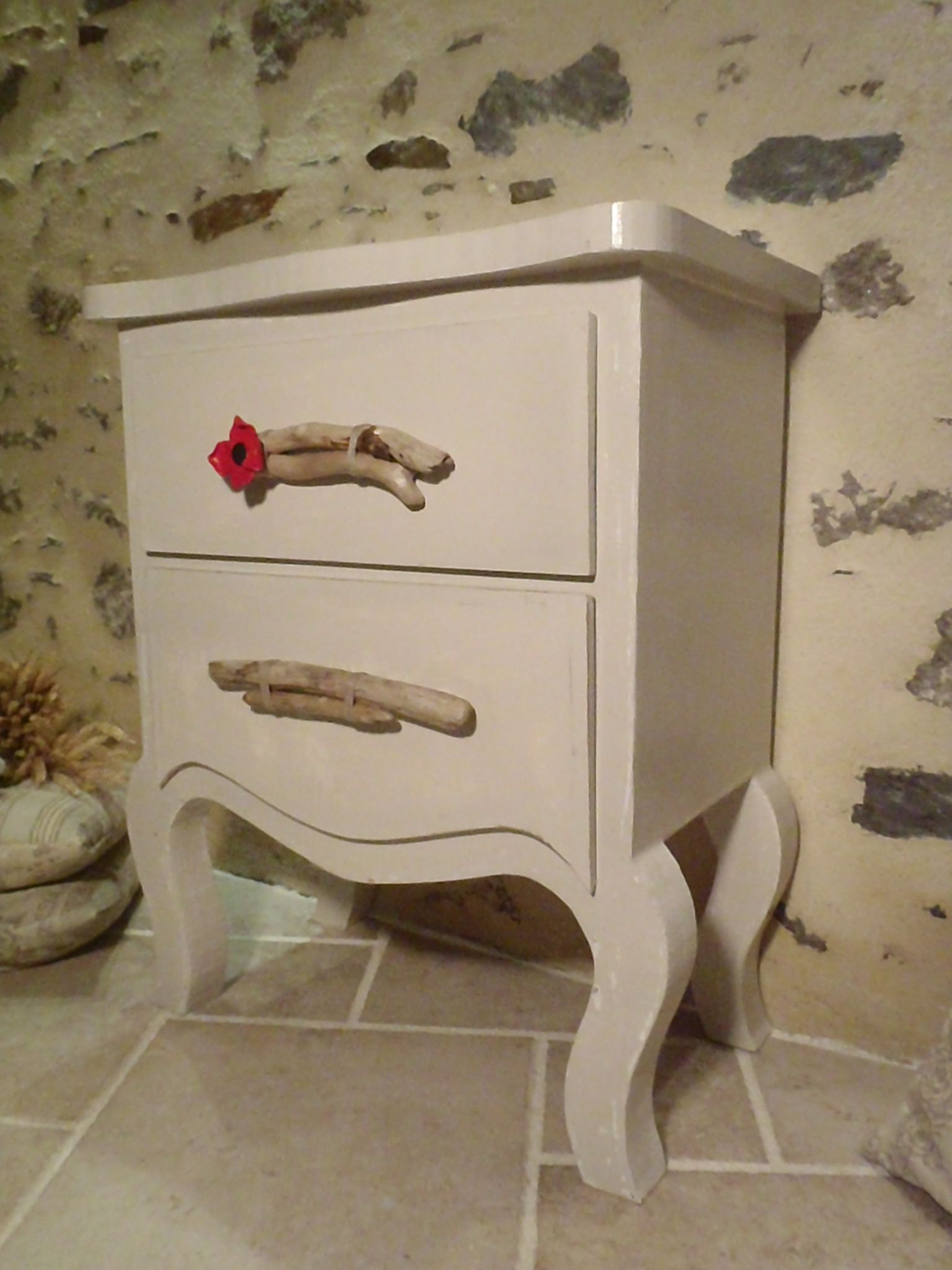 "Commode en carton ""Au coquelicot"" http://www.collection-carton.fr/product.php?id_product=50"