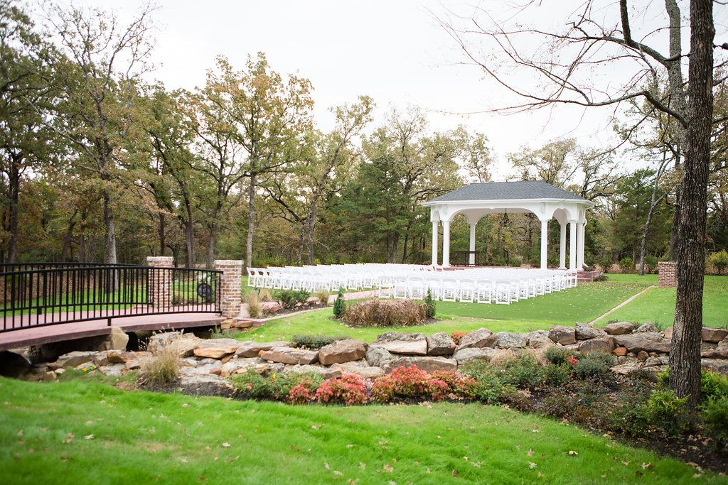Looking for a unique gorgeous outdoor wedding