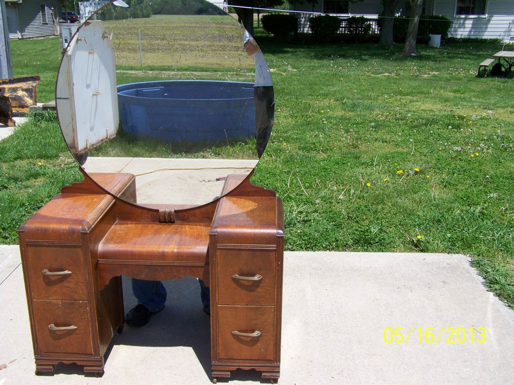 antique vanity 4 drawers with large round mirror nice shape dove tail 1920's - Antique Vanity 4 Drawers With Large Round Mirror Nice Shape Dove