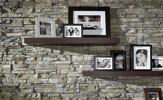natursteinwand im wohnzimmer regale dekoration ideen deko ideen in 2019 pinterest. Black Bedroom Furniture Sets. Home Design Ideas