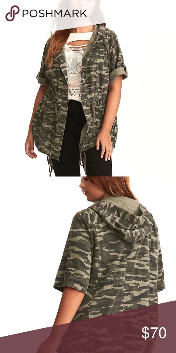 19a371eca0c56b 3X 22/24 Torrid Short Sleeve Camo Anorak Jacket New Hi shoulders, we ...