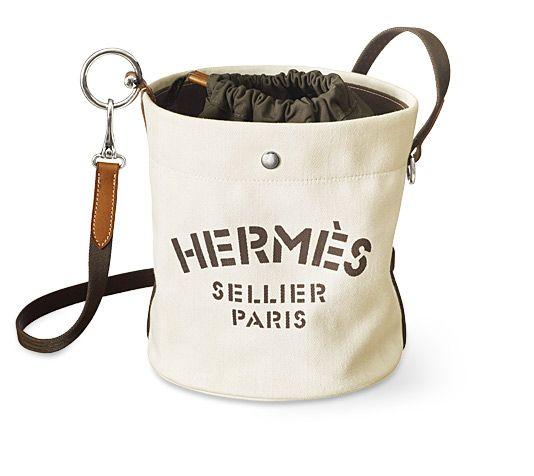 7743415f7 Fourre Tout Hermes grooming bag Chalk chevron canvas and gold barenia  calfskin Removable inside basket, adjustable shoulder strap.