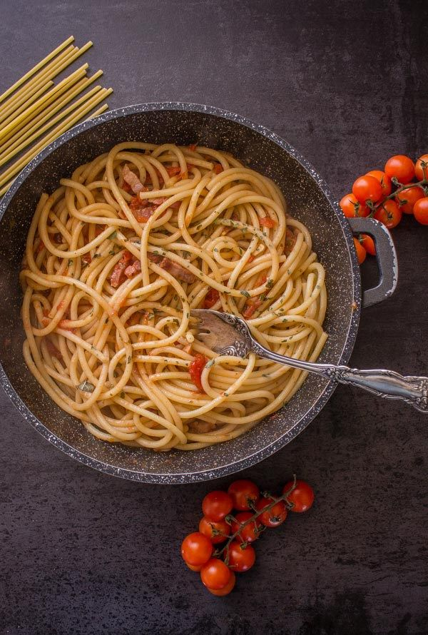 Amatriciana With Fresh Tomatoes The Perfect Italian Classic Pasta Sauce Recipe Made With Fresh In Italian Pasta Dishes Pasta Sauce Recipes Fresh Tomato Pasta