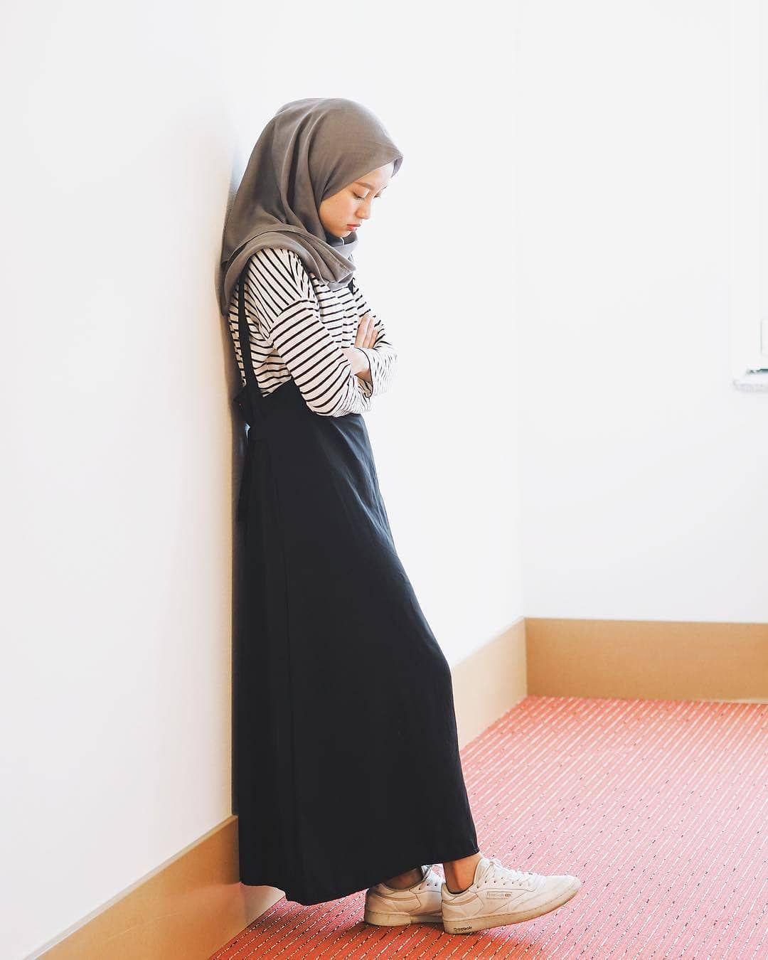 Trend Hijab Style OOTD 2019 di Instagram