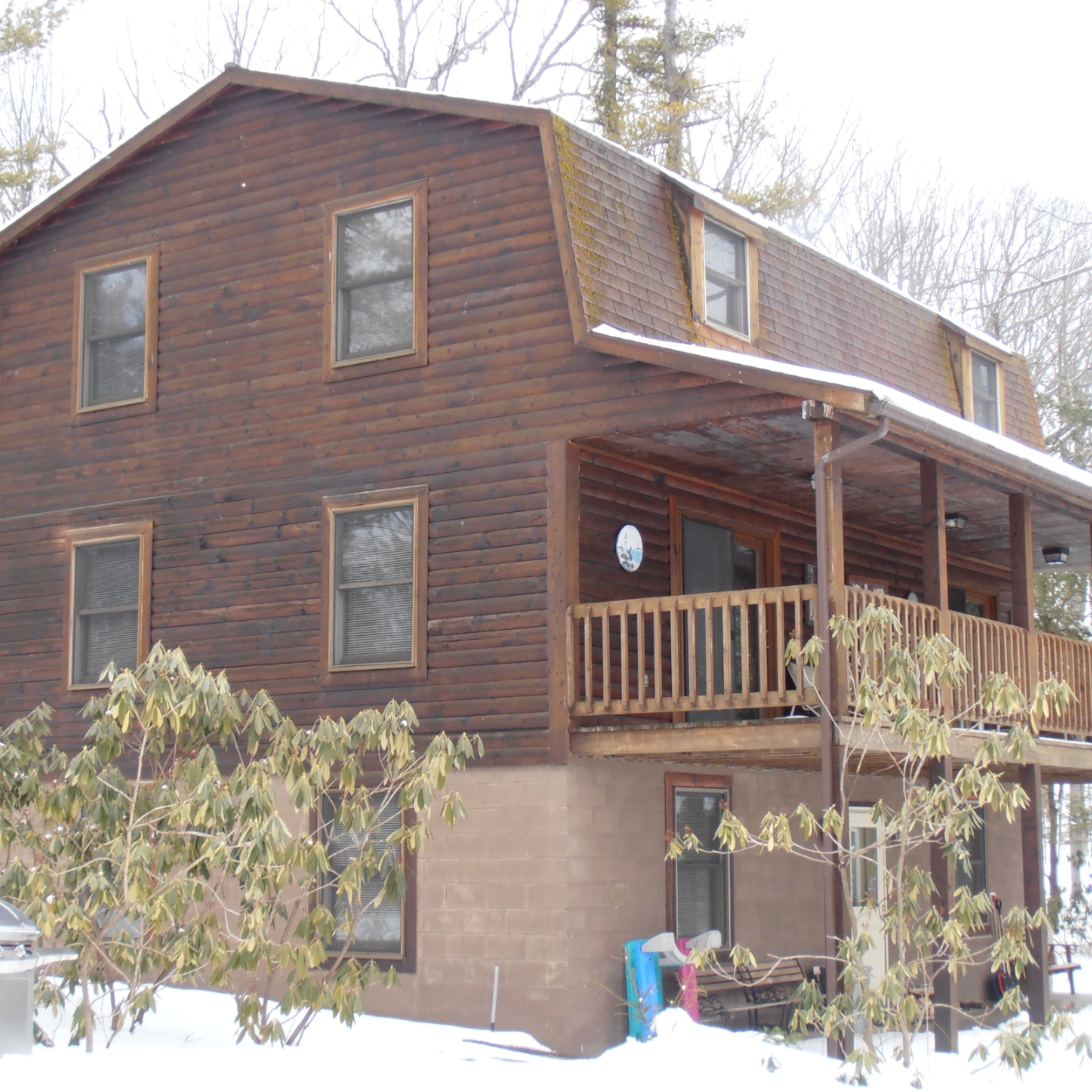 Red Run Cabin is a one story 3 bedroom cottage with