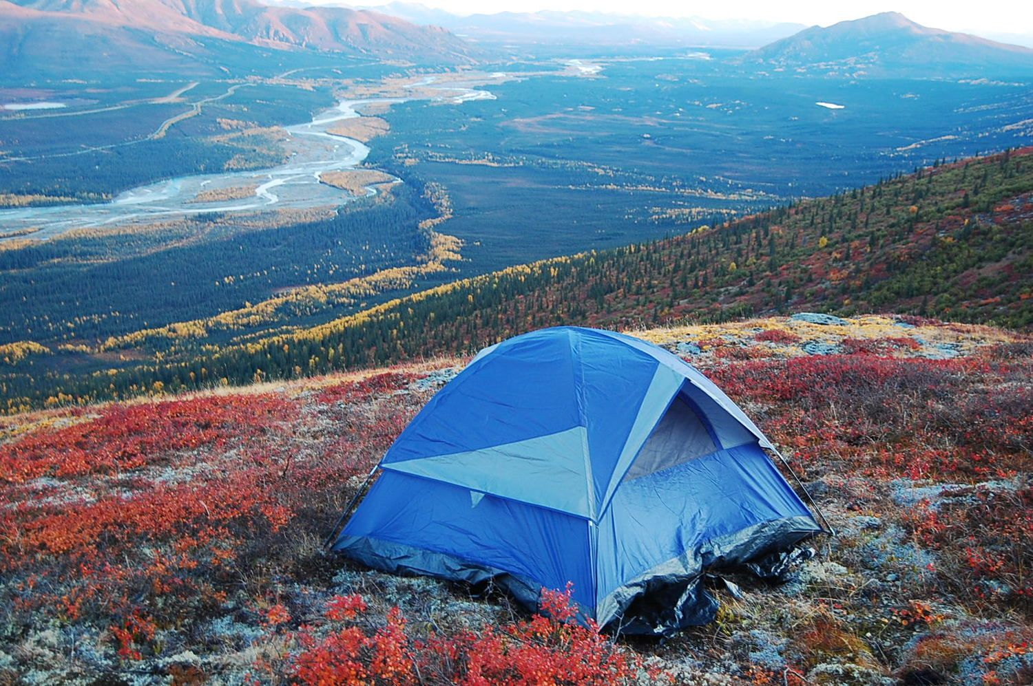 Coldfoot Camp - Loding in Coldfoot, AK where you can hike into Gates of the Arctic by highway