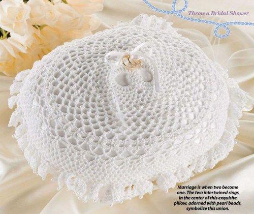 W039 Crochet PATTERN ONLY Double Wedding Ring Bearer Pillow
