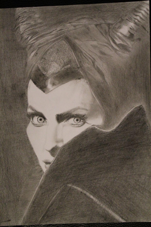 Dessin portrait aux crayons graphite mal fique dessins - Dessin de malefique ...