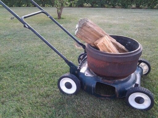Very Simple Just Weld An Old Brake Drum Onto A Lawnmower You No Longer Need And You Ve Got A Firepit On Whe Diy Fire Pit Fire Pit Designs Portable Fire Pits