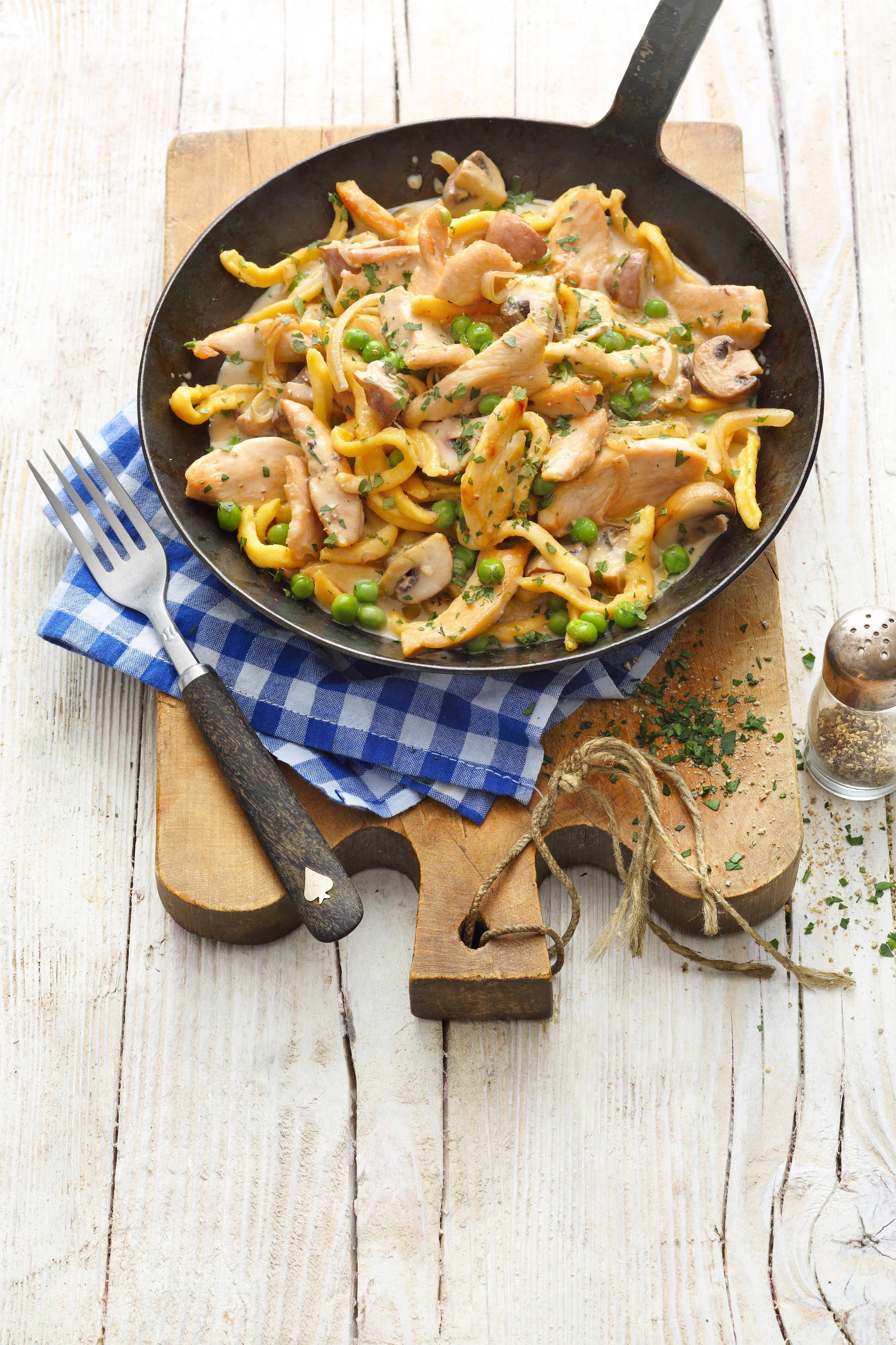 Photo of Quick chicken and spaetzle pan | my family & me – Europe's largest food magazine