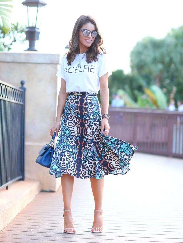 d3c293384 My Look: Printed Midi & T-shirt | Camila Coelho☆ | Looks com saia ...