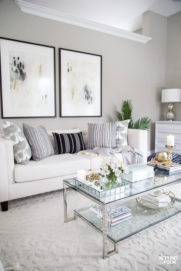 How to decorate a living room. See our living room makeover! Wall art, furniture, area rug, coffee table, TV unit decor ideas. #livingroom #livingroomdecor #makeover #roommakeover #refresh #furniture #art