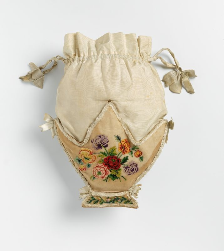 1837, Beutelchen aus Seidentaft, handbestickt mit Seidenfaden, Seidenband zum Zuschnüren, Norwegen