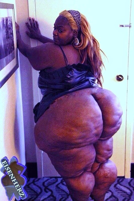 Sbbw grandma shows her ass