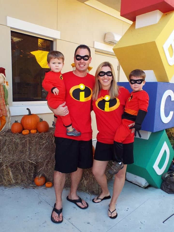 The Incredibles family costume  sc 1 st  Pinterest & The Incredibles family costume | Trunk or Treat | Pinterest