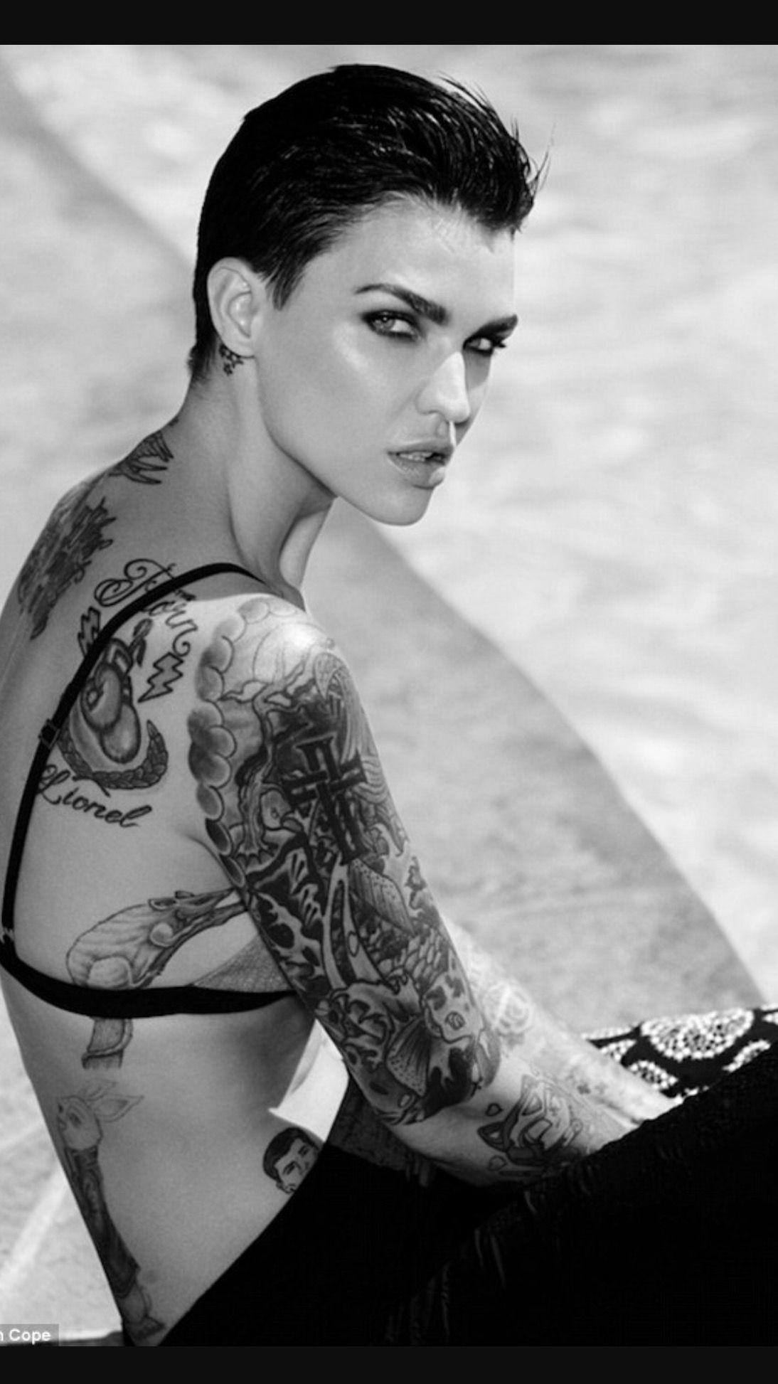 Actriz Americana Porno Tatuada Y Pelo Rapado pin de nathan daniel en ruby rose (con imágenes) | tatuaje