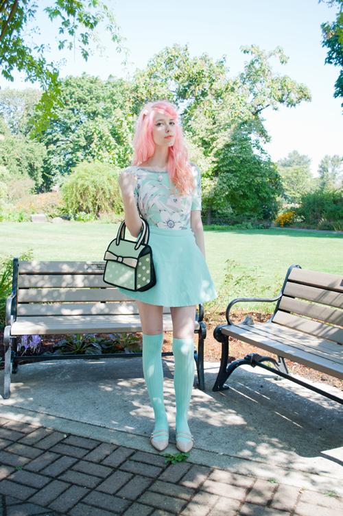 judyjetsons:  Looking like a nerd on Mermaidens today :3