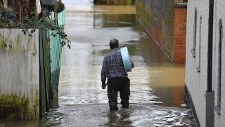 A new severe flood warning – meaning an imminent threat to life – has been issued for the River Severn in Shrewsbury as the Environment Agency warned of ongoing flooding danger across England.  Snow is expected to cause problems across northern England, Scotland and Northern Ireland on Monday, and the Met Office has issued more flood warnings.  Read more...    #Telegraph #News #Weather #Flood #StormCiara #StormDennis #Shrewsbury #Weatherwarning #Dangertolife #FloodwarningShrewsbury