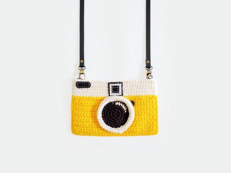 Crochet The Vintage Camera Purse/ Yellow Color - Meemanan - Messenger Bags & Sling Bags #camerapurse