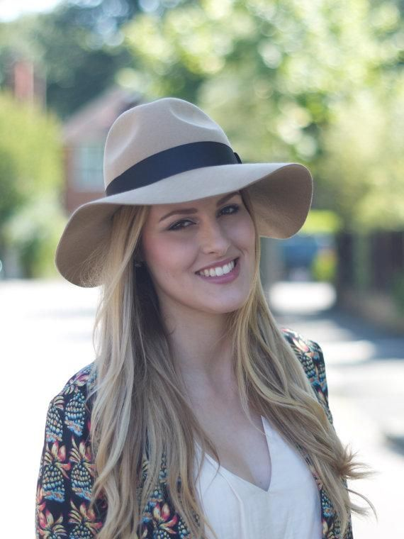 Beige Lazy Fedora with floppy brim in pure felt by..