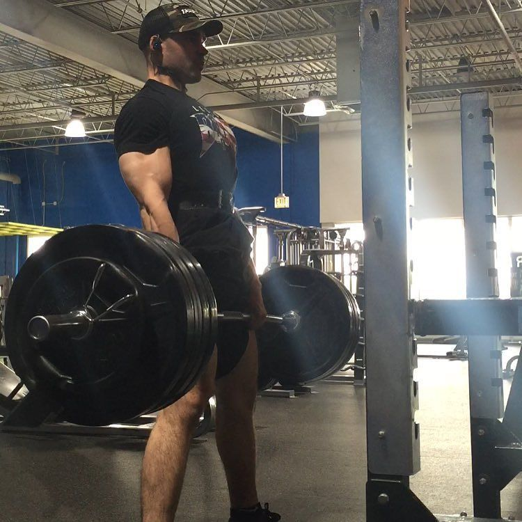 Came back for some squats sumos and stairs. Want it bad enough you'll find away. Also had a surplus of energy bc Jon Snow is going to fuck shit up tonight by hitz43