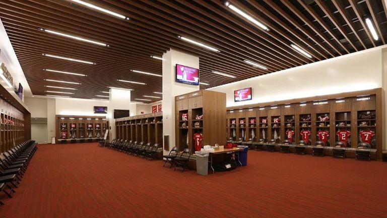 Resultats De Recherche D Images Pour Locker Room Stadium Sport