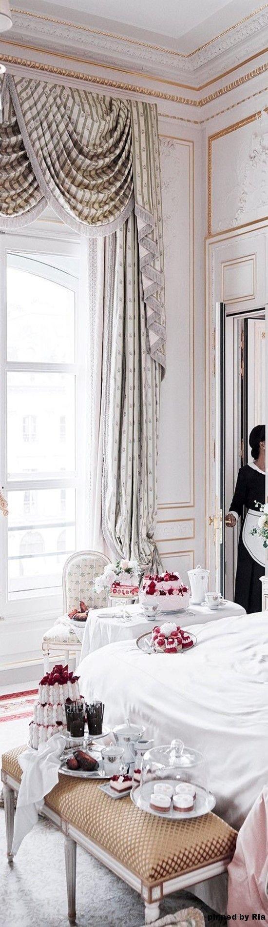 Pin von Laura Rogers auf Parisian Chic | La villa ...