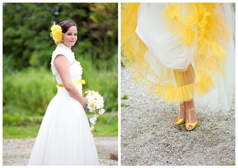 Na Zolto Tez Daje Rade Yellow Wedding Theme White Wedding Gowns Wedding Gowns