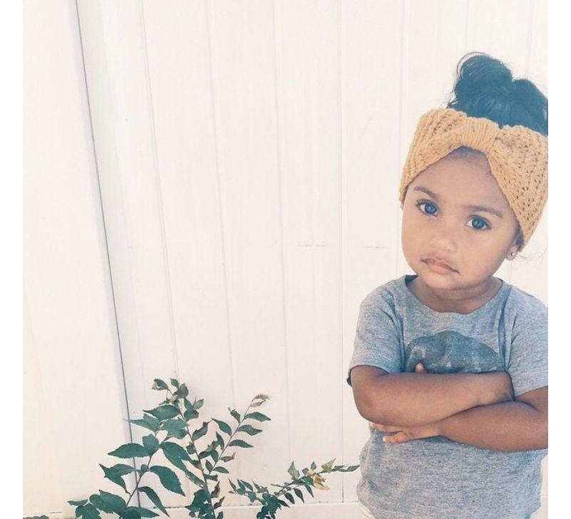 bandeau turban foulard 10 id es de coiffure pour votre petite fille arbre. Black Bedroom Furniture Sets. Home Design Ideas