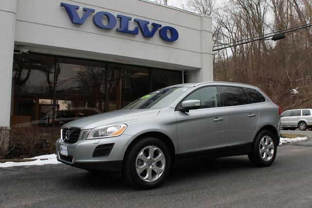 2013 Volvo Xc60 3.2 3.2 Premier Plus SUV 4 Doors Electric Silver Metallic for sale in Mount kisco, NY http://www.usedcarsgroup.com/mountkisco-ny/2013-volvo-xc60-yv4940dz8d2368499.html